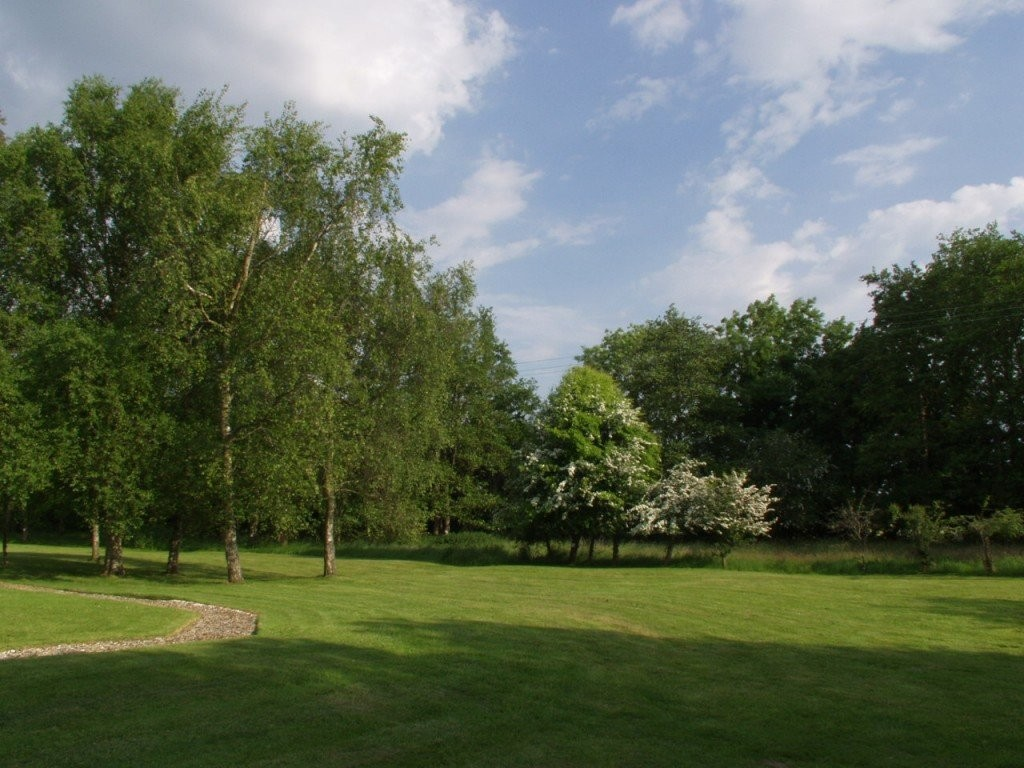 Enjoy Dorset holiday cottage grounds