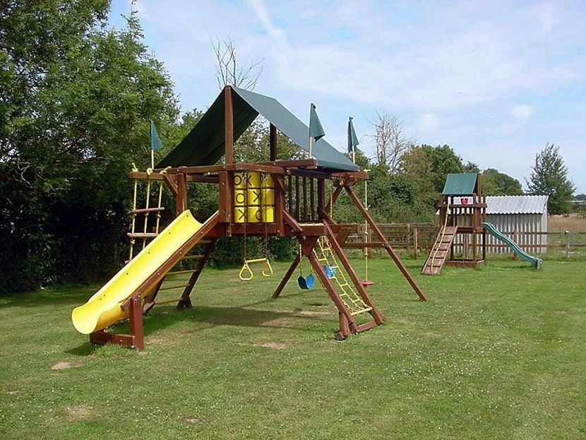 Dorset holiday cottage play area